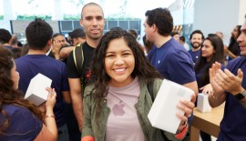 Apple's grand opening of its first retail store in Mexico