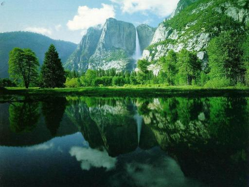 Download 3D Mountain and Lake Screensaver