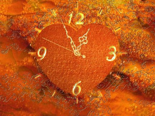 Download Gold Heart Clock ScreenSaver