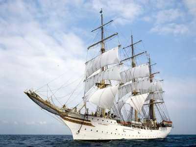 Download Sail Boats Free Screensaver
